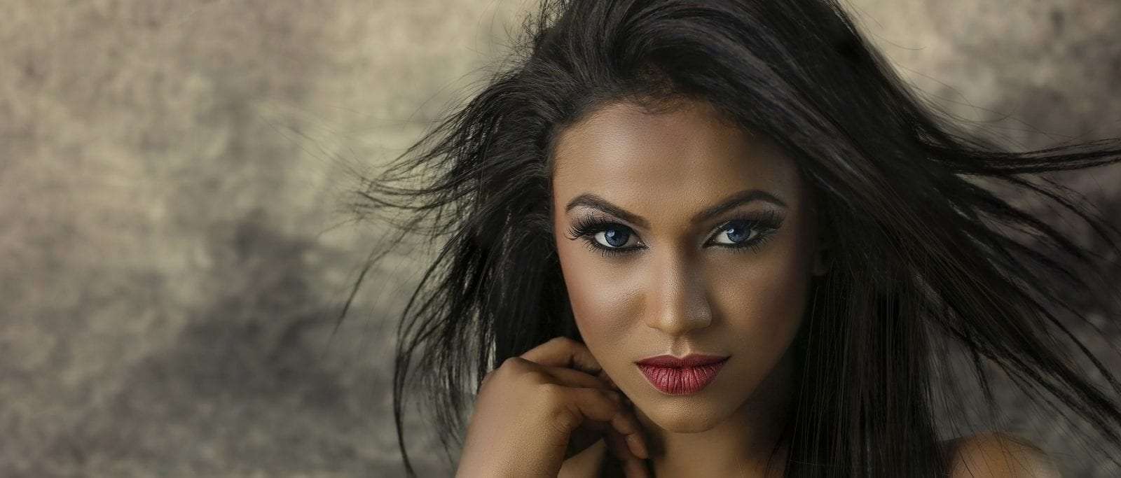 Augen - Kosmetik Artemania - Nail Art - Beauty und Care - Fehraltorf 3