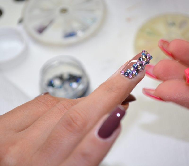 Nagelstudio - Kosmetik Artemania - Nail Art - Beauty und Care - Fehraltorf 1
